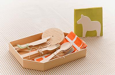 使用例:折箱にカトラリー